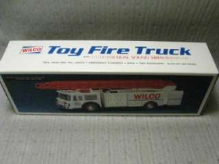 1990 WILCO GASOLINE FIRE TRUCK TOY BANK HESS 1 of 15000
