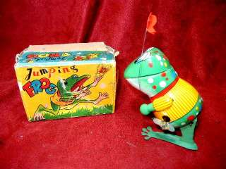 VINTAGE TIN LITHO WINDUP TOY JUMPING FROG IN BOX JAPAN