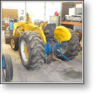 Ford Tractor w/ Bucket Loader + 3 Pt Hitch + 6 Wide Bucket + VIDEO